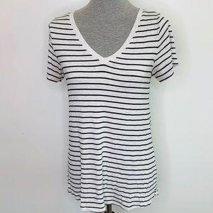 ⭐️3/$25⭐️ Lularoe V Neck Christy t black striped